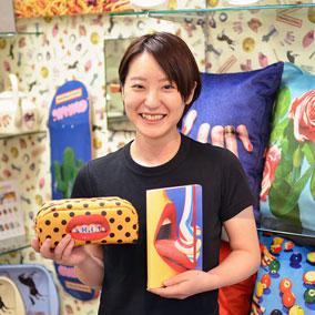 小林 友香 (コバヤシ ユカ)の写真